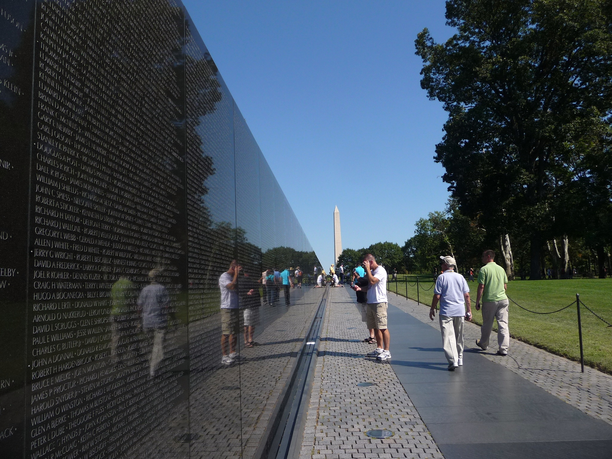 The Black Wall U2013 Vietnam War Memorial With Names Of Men Who Died
