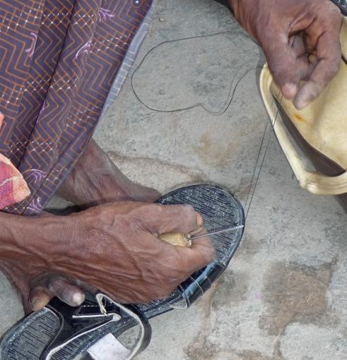 Street Shoe Repair, Tiruvannamalai, South India